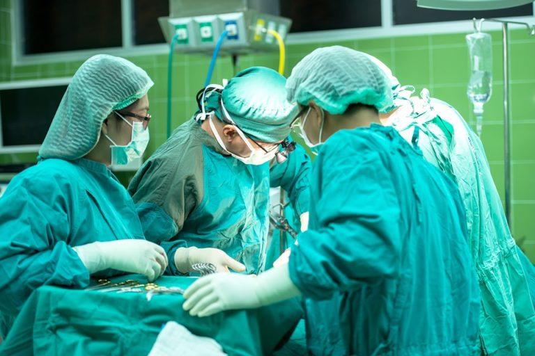 szpital-operacja-rehabilitacja